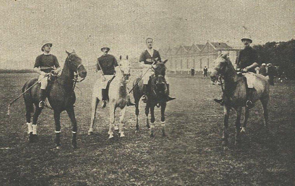 Equipo español de polo, con el Conde de la Maza, en los JJOO de Amberes 1920 / Foto: http://files.laliga4sports.es